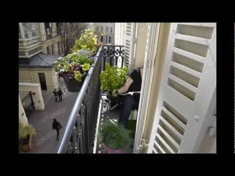 id es pour un petit balcon parisien youtube. Black Bedroom Furniture Sets. Home Design Ideas