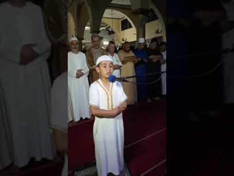 Algérie un enfant récite le coran avec une voix d'ange Macha Allah
