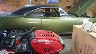 Typhany cranking up the 70 Road runner