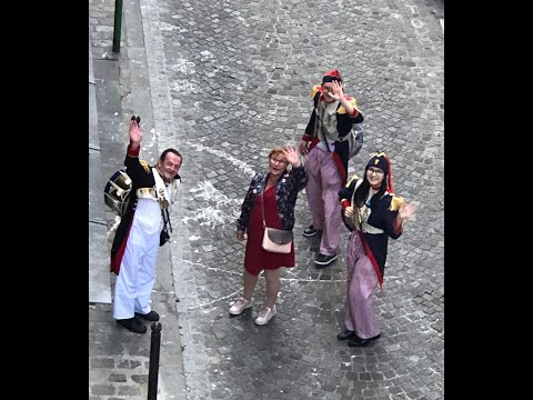 From my balcony: Veronica Antonelli invite les Petits Poulbots de Montmartre