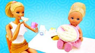 Штеффи одна дома - Готовим вместе пирог! Игры для девочек с Барби