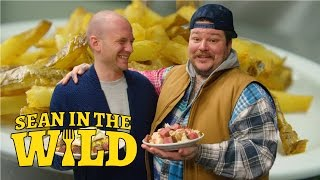 Repeat youtube video Matty Matheson and Sean Evans Have a Poutine Showdown | Sean in the Wild
