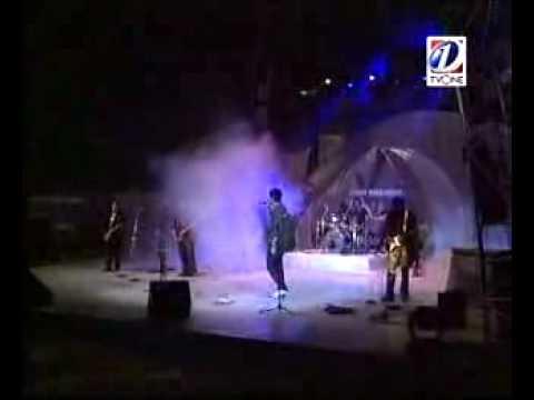 Ali Azmat & Roxen-Neend Ati Nahin Live [HQ]