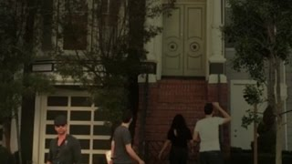 John Stamos Visits 'Full House' House But Fans Don't Notice Him