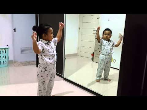 Happy Hippo dance by PVD .3.5 thn