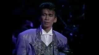 [安全地帯] ほゝえみ ほほえみ [ライブ Live 1987 To me at 武道館] thumbnail