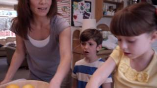 Topsy & Tim 123 - WRAPPING PAPER | Topsy and Tim Full Episodes