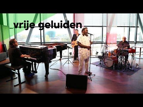 Mike del Ferro Trio feat. Mbuso Khosa - Smomomdiya (live @Bimhuis Amsterdam)