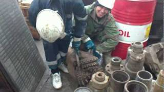 Заточка бурового долота - ручная работа.MP4(Заточи долото !!!, 2012-01-19T04:41:42.000Z)