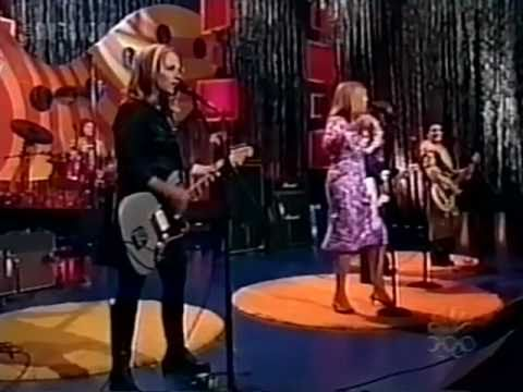 Go-Go's - Our Lips Are Sealed (The Jay Leno Show '99)