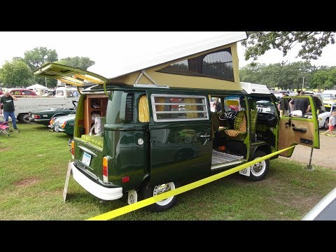 1978 VW Campmobile (Transporter, Bus, Kombi, or Camper).