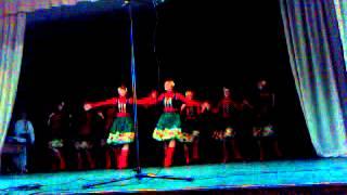 Український народний танець..під пісню Софії Ротару...Одна родина