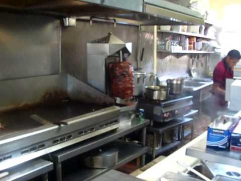 Latinosportal en la cocina de la taqueria san jose avi - Youtube videos de cocina ...