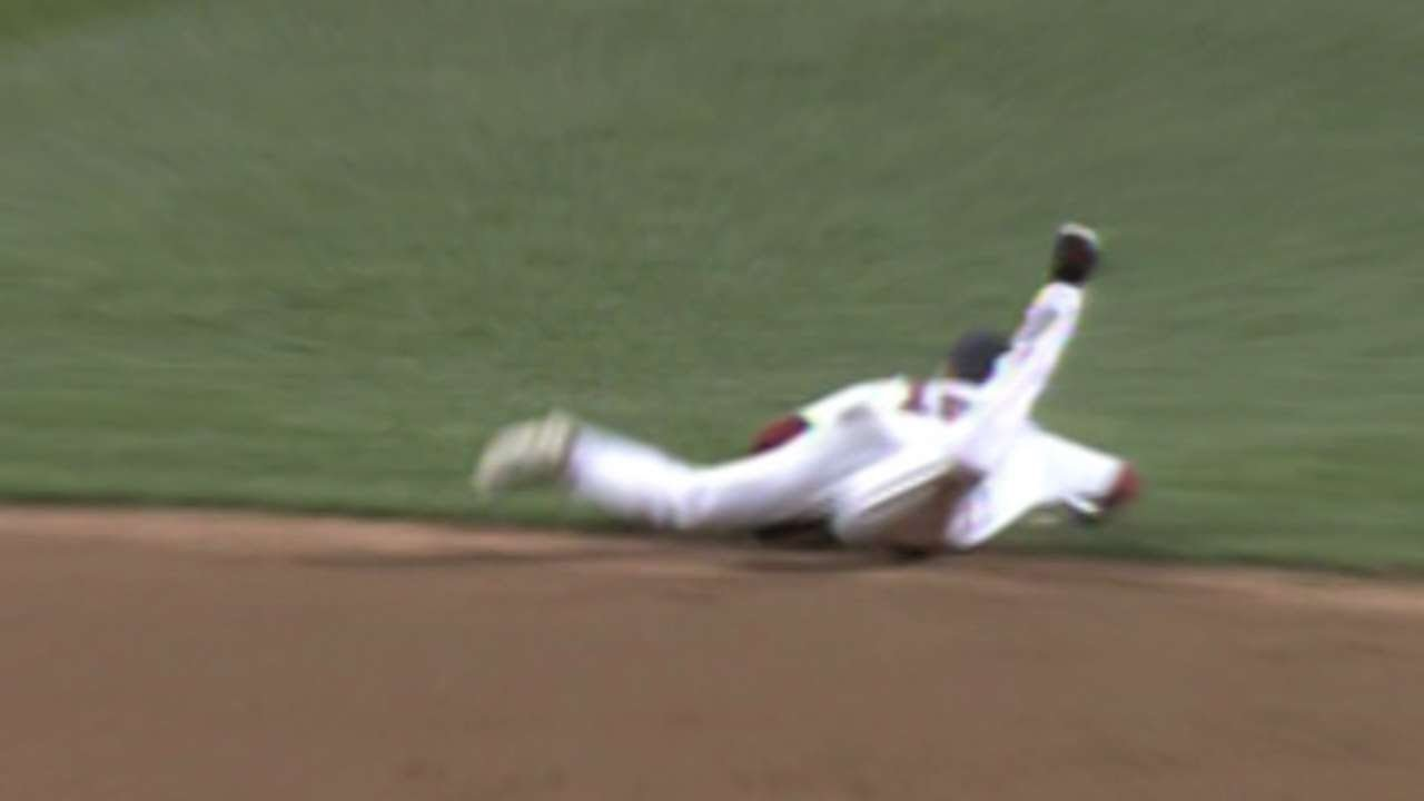 Dustin Pedroia makes incredible diving play to help preserve Clay Buchholz's no-hitter