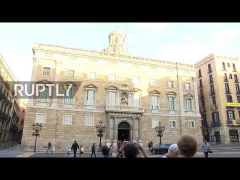 Spain: Puigdemont arrives at Palau de la Generalitat in Barcelona as deadline passes