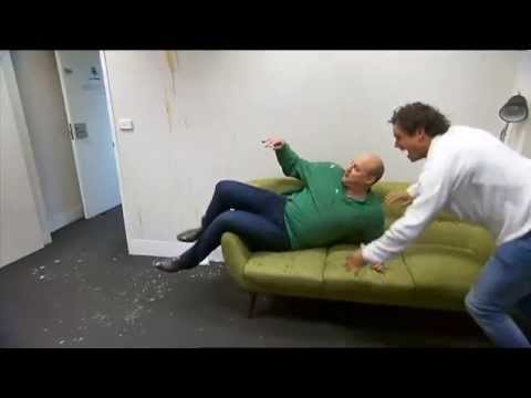 Steve Motlop scaring Sam Newman