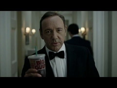 Frank Underwood to Obama: Welcome to Nerd Prom | ABC News Exclusive | ABC News