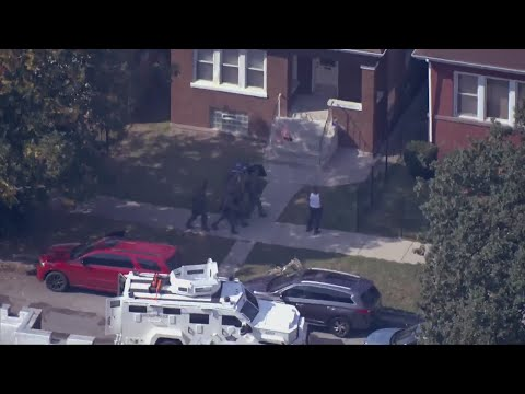 Chicago Swat Responds Shooting Rampage 1 dead, several wounded in North Austin  Community