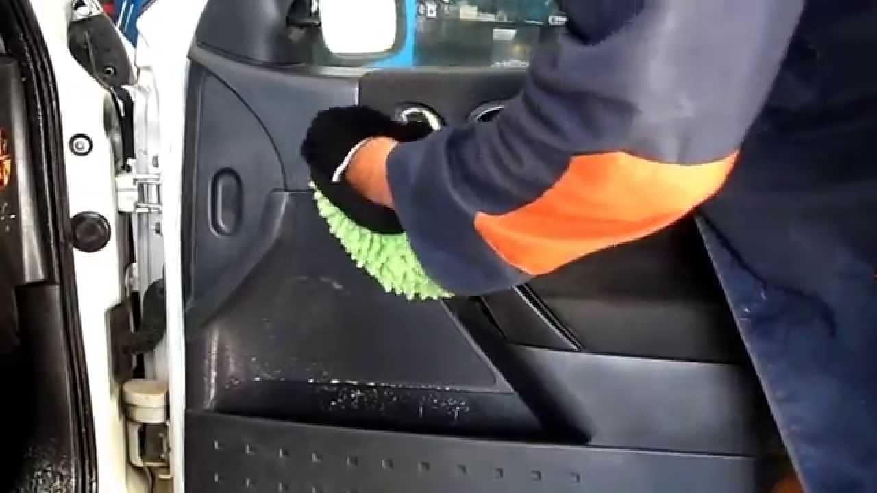 lavage voiture lavage auto avec savon sp cial. Black Bedroom Furniture Sets. Home Design Ideas