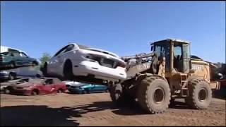 Mighty Machines -  Season 03 Episode 10 -  Car Wreckers