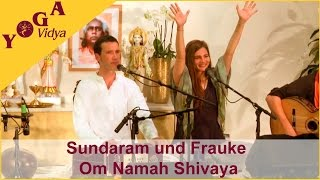 Sundaram and Frauke chant Om Namah Shivaya at the Musicfestival