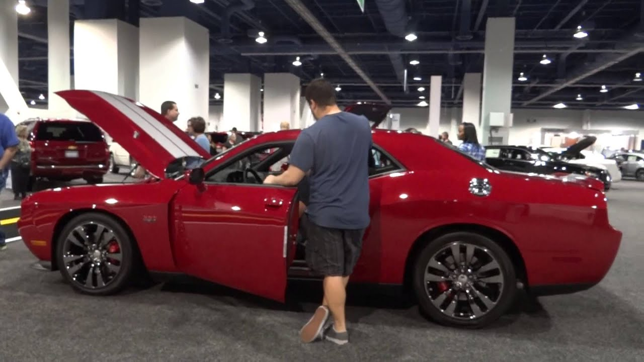 Dodge V8 Engines 2013 Challenger SRT8 392 - YouTube
