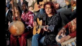 Watch Rosanne Cash Western Wall video