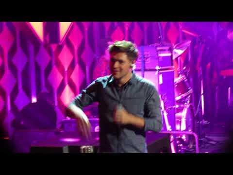 Slow Hands - Niall Horan - 12/4/17 - 101.3 KDWB's Jingle Ball - St Paul, MN