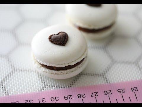 MACARONS WITH MILK CHOCOLATE FUDGE, HOW TO MAKE