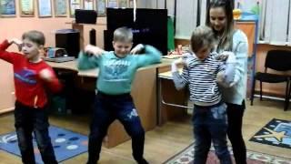 урок ритмики с Кристиной  Юлиана  2