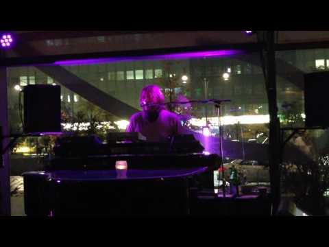 super schöne Piano Musik am  #Alexanderplatz im Park Inn  #Hotel von  #Sascha  #Pavlovich
