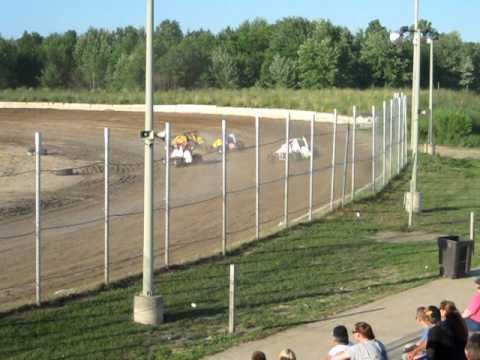 Thunderbird Speedway 6-26-2010 MTS Heat Race 1 (Winner Nick Landon)