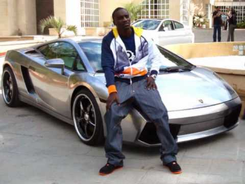Akon ft. Wiz Khalifa - Her Shoes