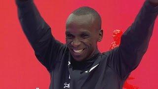 Кипчоге пробежал марафон за рекордные 2 часа и 25 секунд
