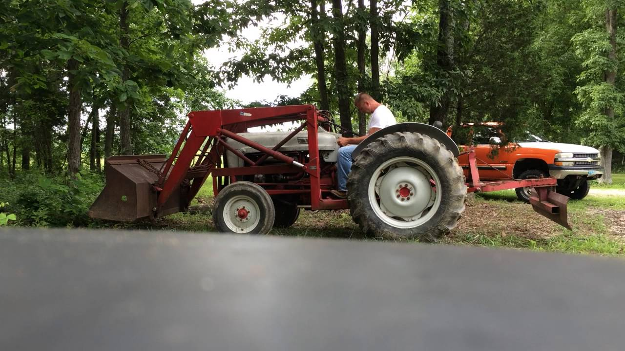 Ford 800 Tractor : Ford tractor youtube