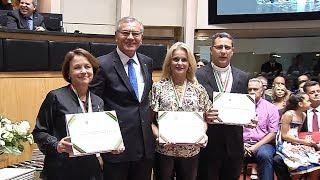 Personalidades e entidades recebem a Comenda do Legislativo Catarinense