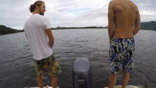 Wakeboard boat: Lets have a piss!
