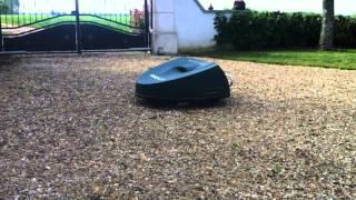Parcmow : passage d'allée robots tondeuses grande surfaces