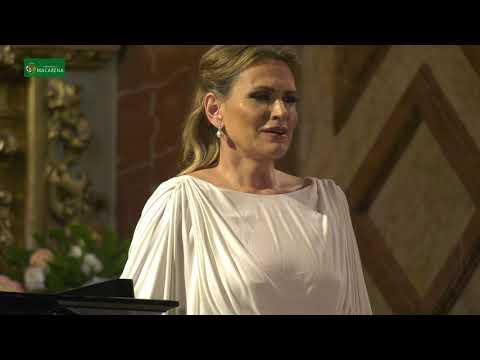 'Ave María' de Gounod interpretado por Ainhoa Arteta