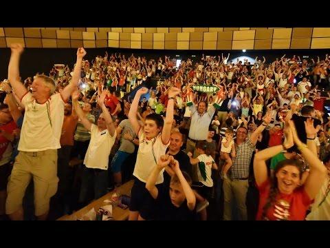 Szurkolás a magyar-portugál meccsen az Agora MSH-ban
