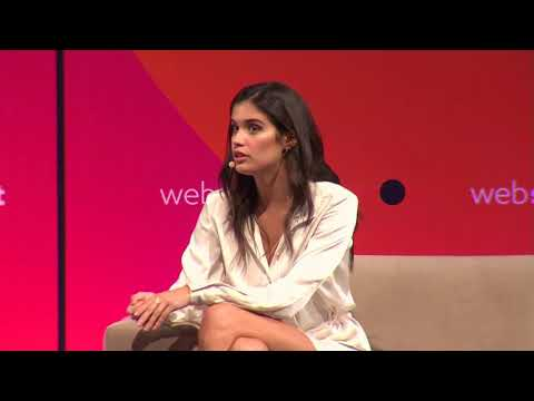 Sara Sampaio speaks at WebSummit - 11/9/17