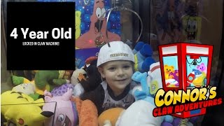 😃Connor STUCK In Claw Machine! Will his head fit?😃
