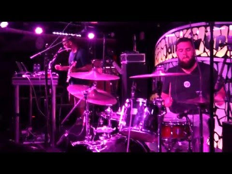 The Floozies 1/10/16 (Part 1 of 2) Jam Cruise 14 (Fat Bottomed Girls by Queen)