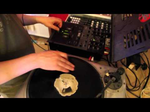 House Music Scratching and Turntablism Video 5 - DJ Kippax