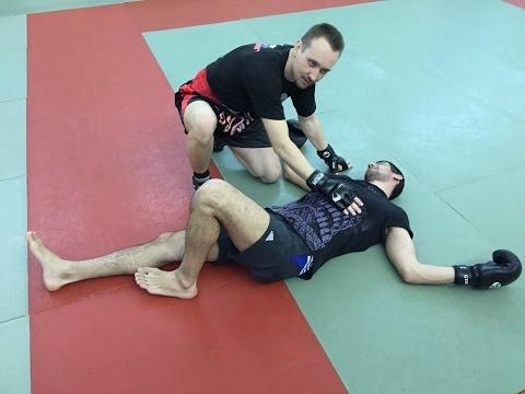 Вопрос: Как наносить боковой удар ногой?