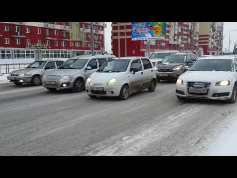 Беседа на перекрёстке Пермякова и Менделеева-Артамонова