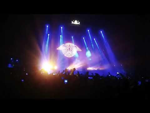 Raf Camora feat. BONEZ MC - Palmen aus Plastik (live Homecoming aus der Marxhalle)