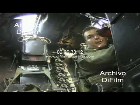 DiFilm - Imagenes del avion bombardero Canberra en vuelo 1999