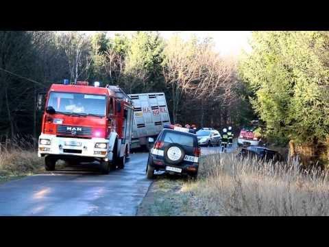 Zderzenie samochodu osobowego z ciężarowym na drodze Juchowo - Jeziorki