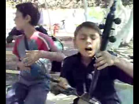 Kemençe Kürtçe 11 years old Kurdish Boy Kamança Show Super